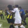 اشتباك وكروت حمراء بعد نهاية المباراة ورئيس الاهلي ينتقد هزازي – فيديو