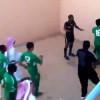 بالفيديو: حكم يتعرض للضرب في مباراة ضمن دوري الثالثة