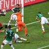 حراس المرمى يسرقون الاضواء في كأس العالم رغم سيل الأهداف
