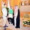 النائب الثاني يقلد السعيدان وسامَ الملك عبدالعزيز