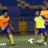 بالصور: النصر يبدأ استعداداته للعروبة وفيصل بن تركي يجتمع باللاعبين