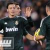 أوزيل يفاوض ريال مدريد لتجديد عقده
