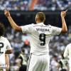 بنزيمة يخرج من تشكيلة ريال مدريد أمام ملقة بسبب إصابته في الركبة