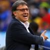 مدرب برشلونة : أخشى أن ينام اللاعبون مني بين شوطي المباريات