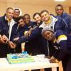 لاعبو التعاون يحتفلون بتجديد عقد المدرب قوميز
