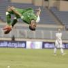لاعبو الأهلي يهدون الفوز على هجر للجماهير