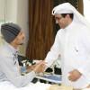 لاعبي وإداريي الخليج يزورون الخضير بعد نجاح العملية