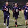 بالصور : هجر يعاود تدريباته بإجتماع المدرب مع اللاعبين