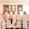 إدارة نادي الحزم تهدي العضوية الذهبية لوكيل محافظة الرس