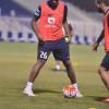 بالصور : دونيس يفرض مناورة على لاعبي الهلال والقحطاني يعود لقيادة الفريق