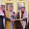 أمير القصيم يكرم الفائزين بمسابقة التعاون الشعرية
