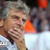 مدرب الجزائر غوركوف يختار ثلاثة مدافعين من المحليين