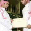 الوليد بن طلال يسلم النادي الأهلي مليون ريال مكافأة تحقيق الدوري