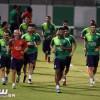 بالصور : الأهلي يواصل تحضيراته للهلال ومحافظ جدة يهنئ بلقب الدوري