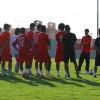 شباب نادي الرياض يستأنفون التدريبات