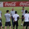 بالصور : مارفيك يخضع لاعبي الأخضر لمران تكتيكي ومناورة على كامل الملعب