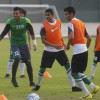 بالصور : الأخضر الشاب يختتم تحضيراته لإيران ويلعب بالأبيض