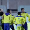 بالصور : النصر يواصل إعداده وزوران يجتمع باللاعبين