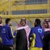 بالصور : رئيس النصر يجتمع باللاعبين ويشيد بالسهلاوي ومدرب الناشئين يقود المران