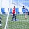 نصراوي يطالب بالمنافسة داخل الملعب فقط