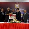 سلمان بن ابراهيم يتلقي نائب رئيس لاوس ويضع حجر الأساس للملاعب المصغرة المقدمة من (الآسيوي)