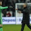 مورينيو يعاقب حارسه بسبب ريال مدريد
