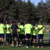 بالصور : النصر يتدرب على فترتين في تركيا و غوميز يجتمع باللاعبين
