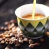 نصف السعوديين يعتمدون على القهوة للتغلب على التعب اثناء القيادة