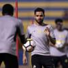 بالصور : مناورة تكتيكية للاعبي النصر ومران مكثف للحراس