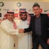 عزت يوقع مع الارجنتيني باوزا عقد تدريب المنتخب السعودي الاول