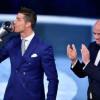 ساعات تفصل رونالدو عن جائزة الأفضل في العالم