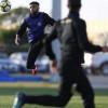 جمل فنية ومناورة كروية في مران النصر بمشاركة العبيد