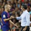 مدرب برشلونة يرد على تقارير رحيل إنييستا