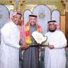 المسؤولية الاجتماعية بنادي القادسية تكرم رئيس أرامكو السابق عبدالله بن جمعة