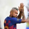 فيدال يعلن موقفه من الرحيل عن برشلونة