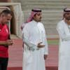 الفتح يواصل استعداداته لمواجهة الشباب والحماد يجتمع باللاعبين