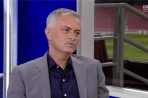 مورينيو: بكيت للمطالبة بشراء مدافع في يونايتد