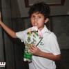 النادي الأهلي يشكر جيرانه بباقات ورد و بروشورات – صور
