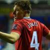 جونز يغيب عن مانشستر يونايتد لمدة شهرين