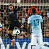 إصابة قوية للحارس فالديس في مباراة برشلونة وسيلتا فيجو