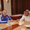 """المهنا يجتمع مع مسؤول بـ""""الفيفا"""" لترشيح مديرة لدائرة التحكيم السعودي"""