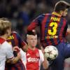 بيكيه يشعر بخيبة أمل لخسارة برشلونة أمام أياكس