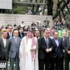 تركستاني يرعى سباق الخيل المقام في اليابان