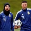 مدرب الأرجنتين يكشف موقف ميسي من مواجهة باراجواي