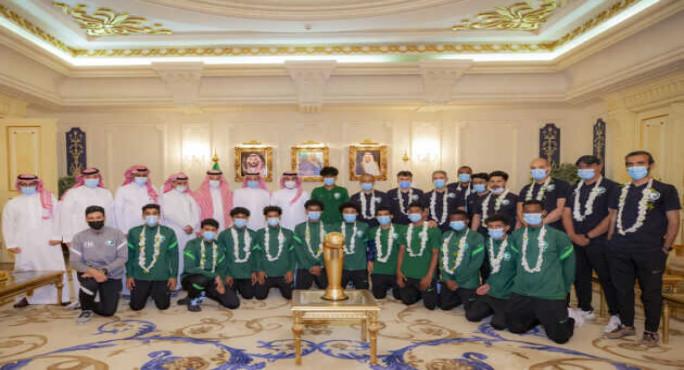 سمو وزير الرياضة يستقبل أبطال العرب