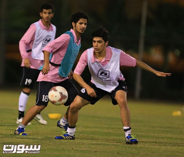 الرائد أجرى أول حصصه التدريبية في عمان 33