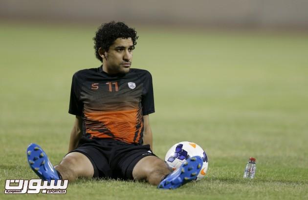 احمد عطيف لاعب نادي الشباب