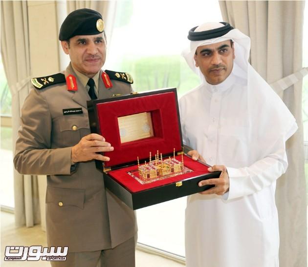 اللواء المرعول خلال تكريمه المقدم خالد الخياط