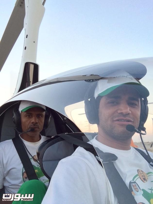 المقدم طيار صالح الحناكي ومساعده اثناء الاقلاع