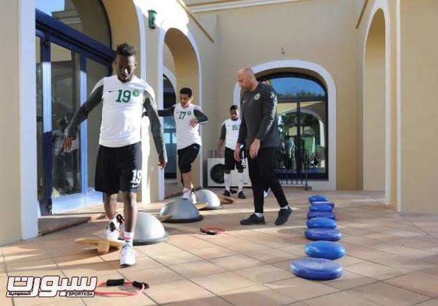 تدريبات المنتخب السعودي الأول لكرة القدم 2014 21